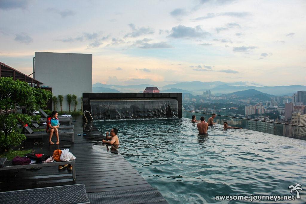 malaysia_skyline_infinity-pool_3
