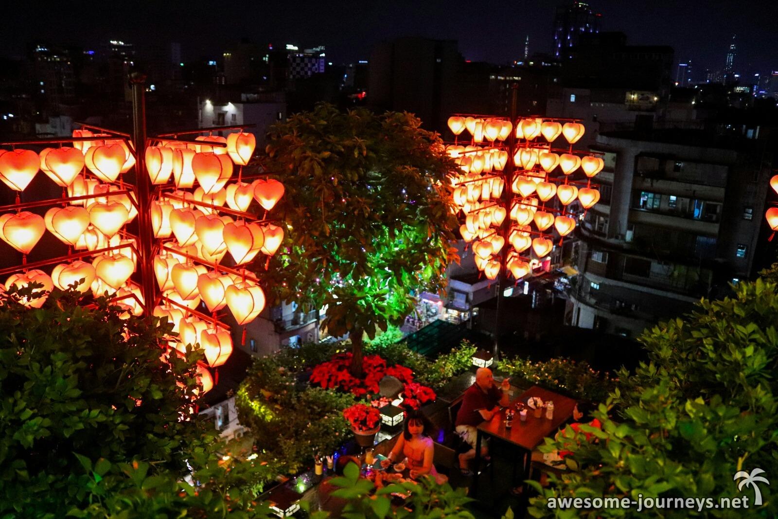 Ho Chi Minh City - Ben Thanh Market & Rooftop Bar in Pham Ngu Lao